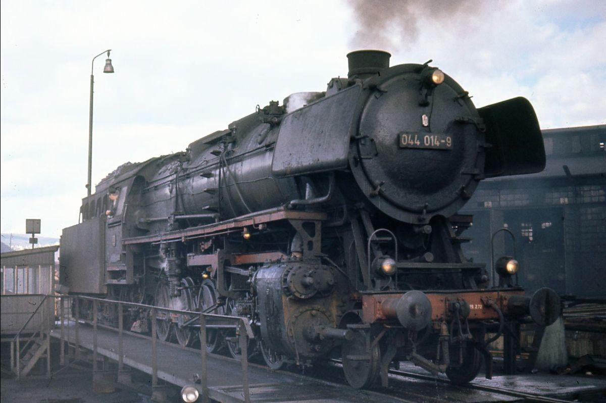 DB 044 014-9 στην πλάκα περιστροφής του Trier, Πάσχα 1972