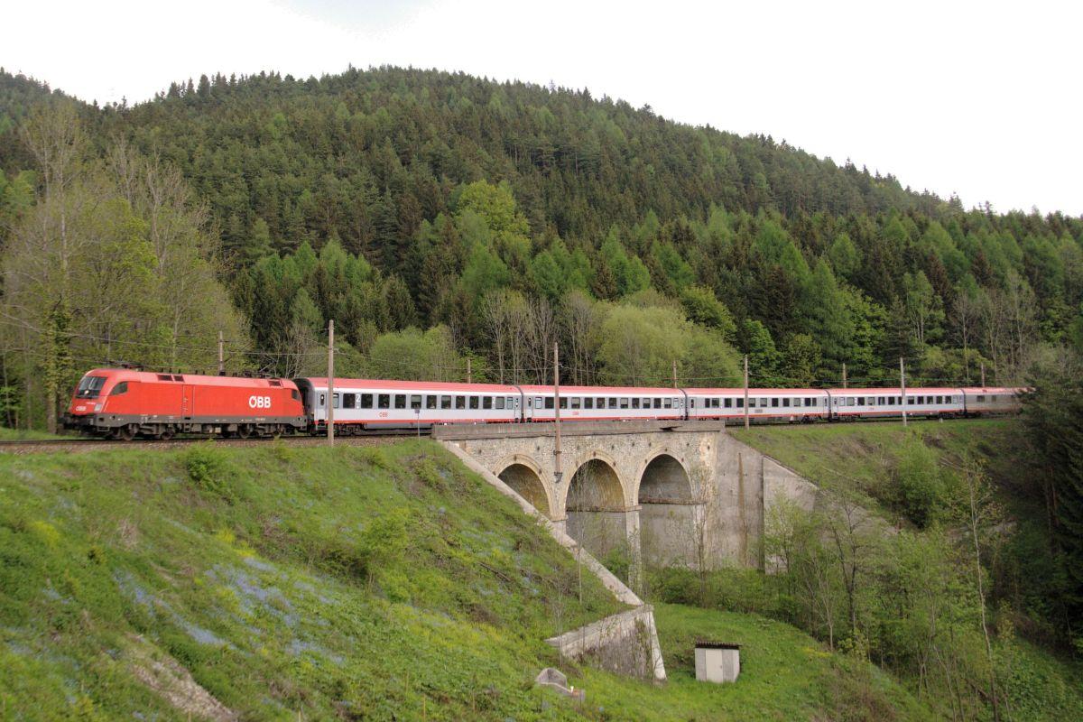 Αυστριακός Ταύρος (ÖBB 1116 - Siemens ES64U2) στο Semmering