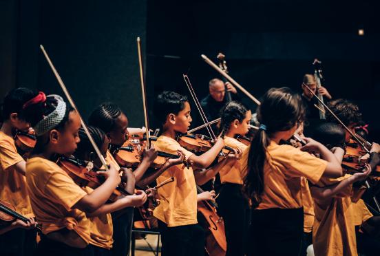 Philarmonie de Paris : suivez les orchestres Démos à la maison ! Cfcb0ad7-7498-4b07-9d89-259a302ae00c