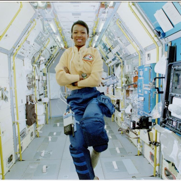 Mission Specialist (MS) Mae Jemison poses in Spacelab-Japan (SLJ), facing forward.