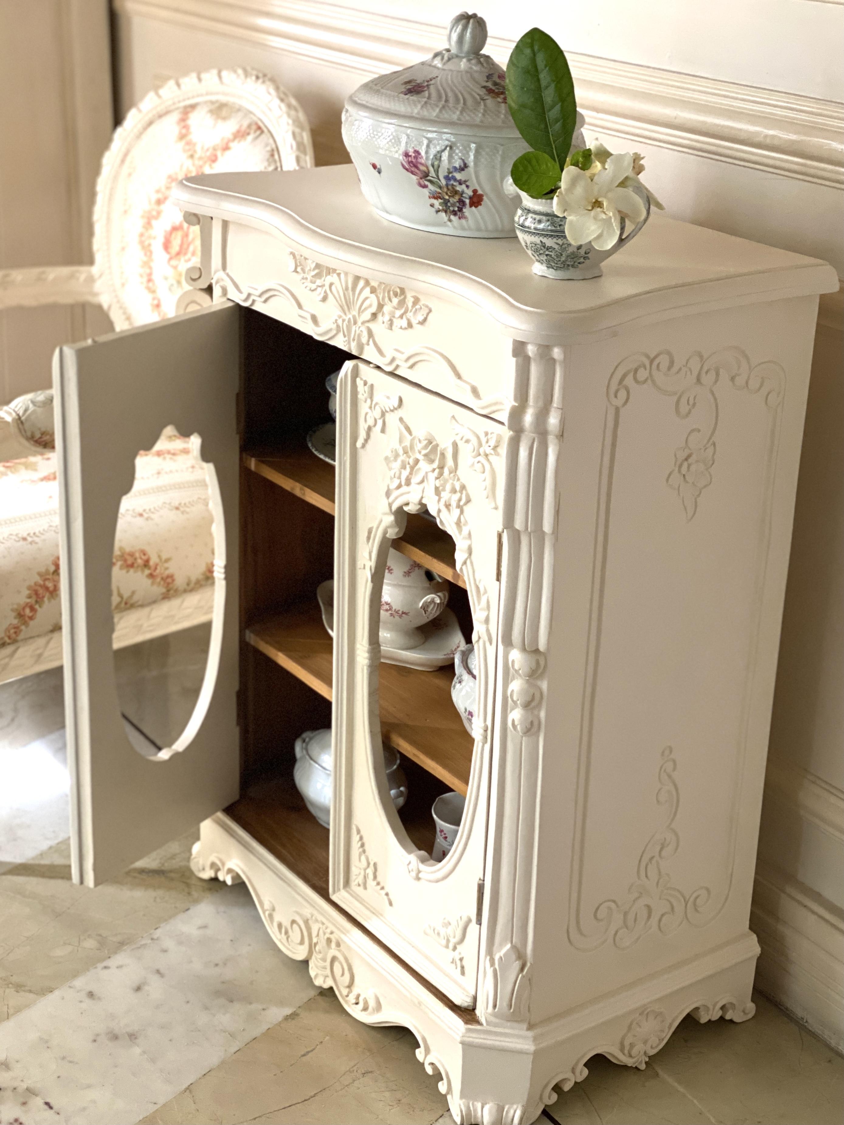 French vintage furniture rococo vitrine porcelain cabinet