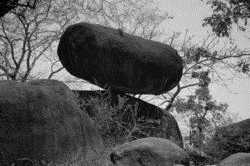250px-Balancing-Rock