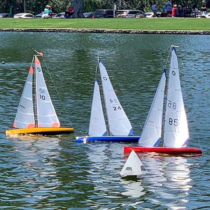 US1Meter RC sailboats at OCMSC