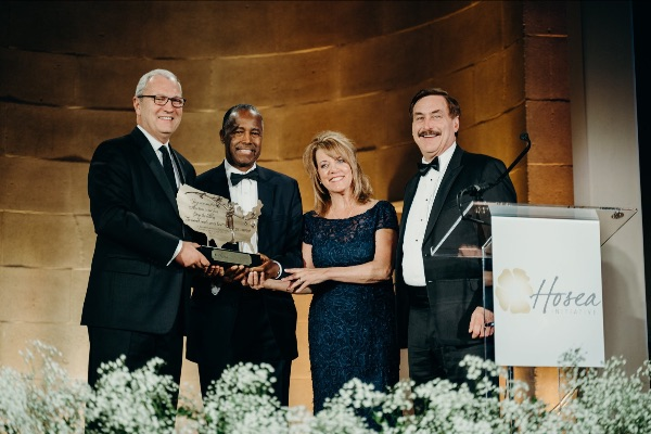 Dr. Ben Carson receiving pro-life award for President Trump
