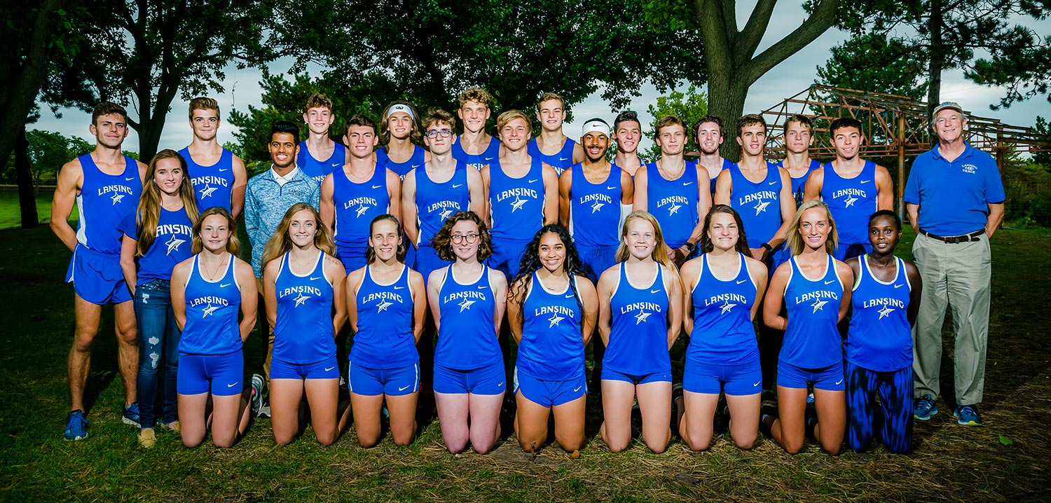 2019 listing photo for the men's and women's cross country teams.