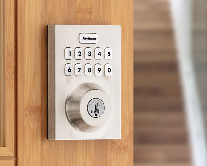 Home Connect 620 Keypad Connected Smart Lock
