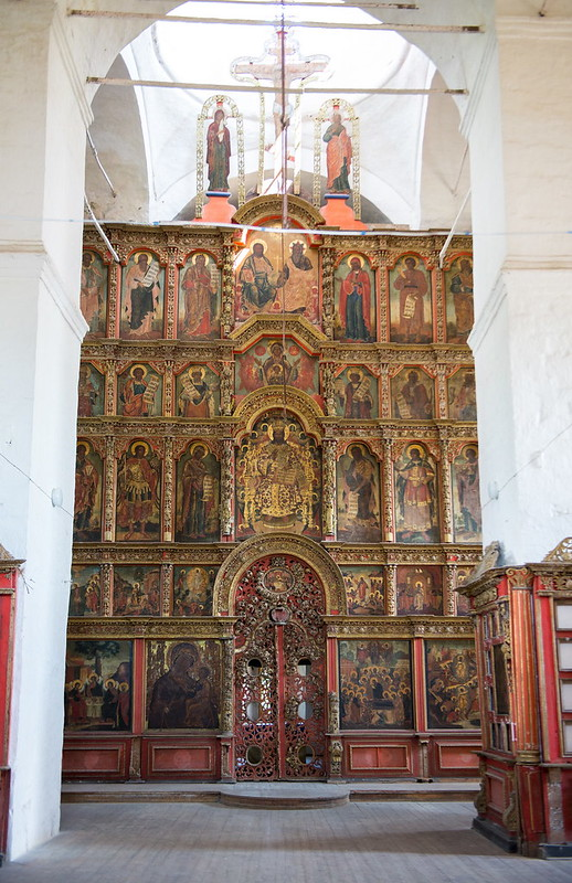5-level iconostasis of Nativity of Christ church in Kargopol