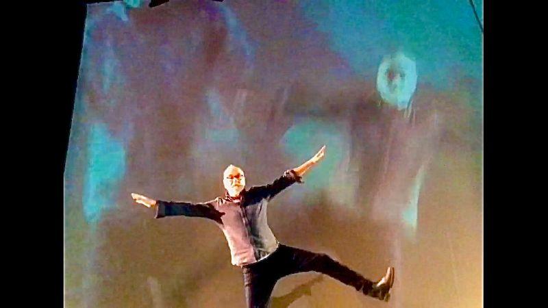 An isolated Daniel MacIvor illustrates theatre of pandemic times. (Punctuate Theatre)