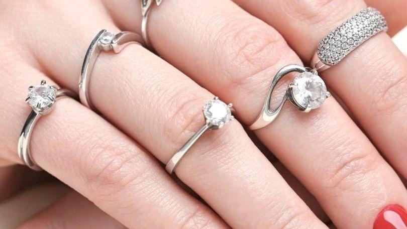 Fingers fashion rings