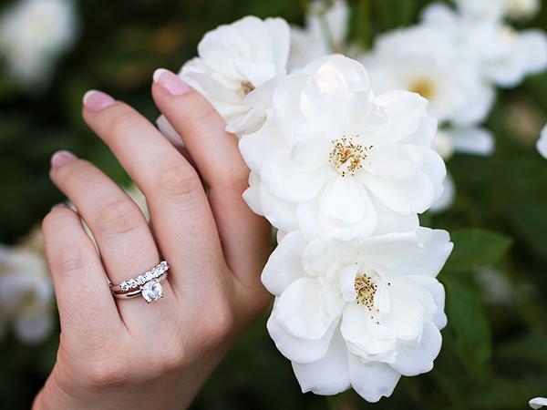 Wedding bands finger