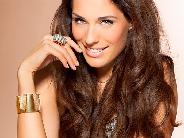 Woman fashion jewelry