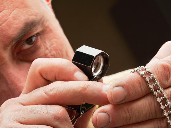 Jewelry inspection