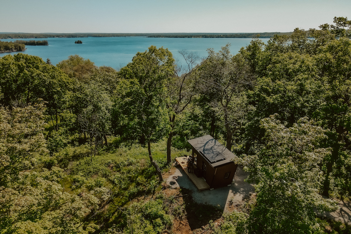 Ontario wilderness cabin