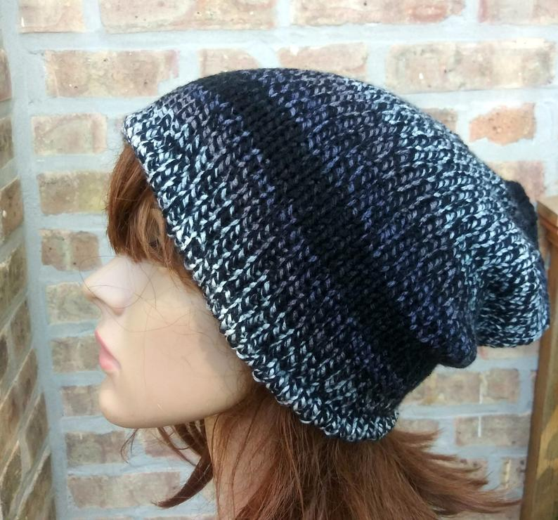 Basic Beanie in Silver and Black