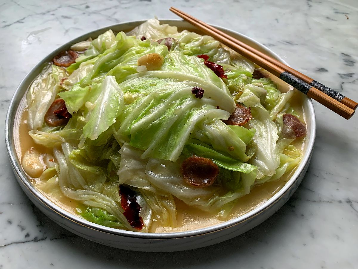 Flat Cabbage With Chinese Sausage