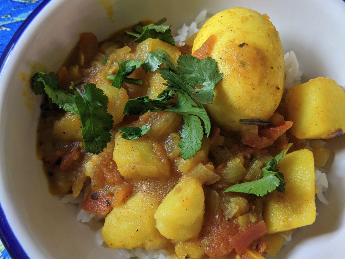 Dimer Jhol (Bengali Egg Curry)