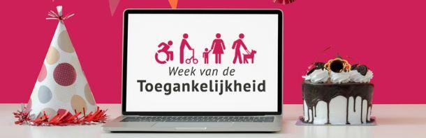 laptop met logo Week van de Toegankelijkheid op scherm en met slingers en taart eromheen