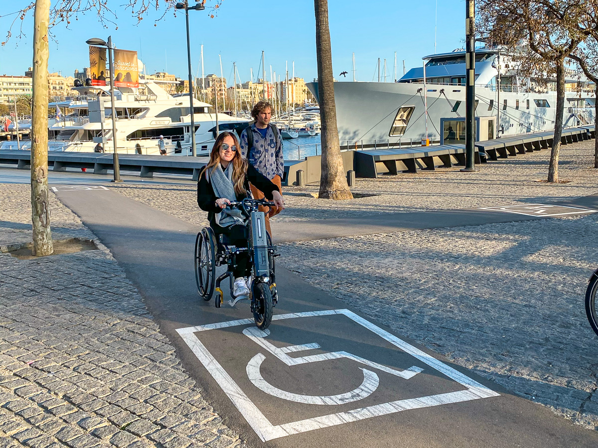 Our partner María from Chile with her Pico on the way on a accessible path.