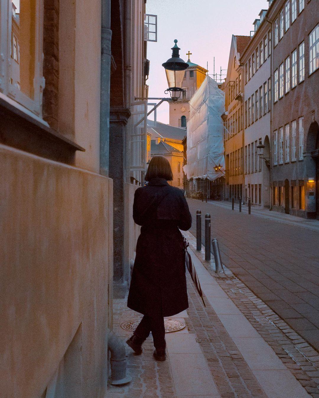 Women poised on Copenhagen Street