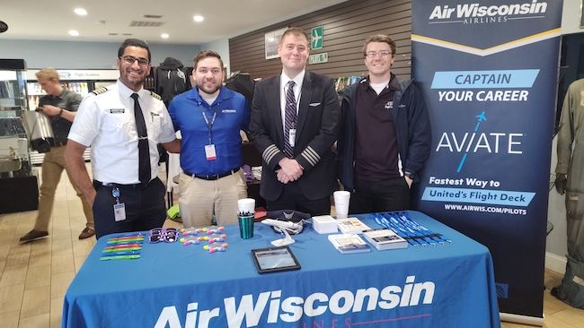 Air Wisconsin Hosts Pilot Career Seminar at Epic