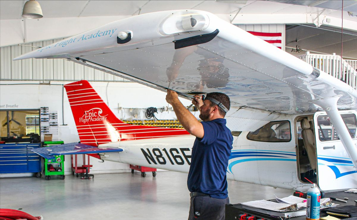 Apply for Aircraft Mechanic Scholarship