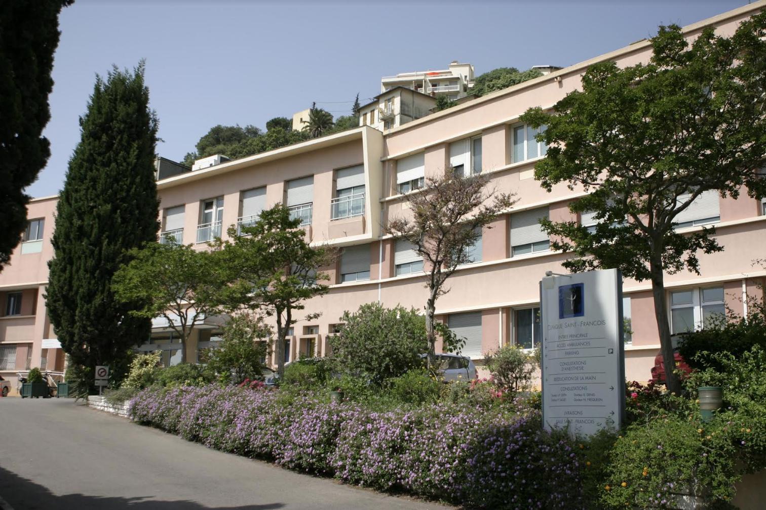 Facade exterieure de la Clinique Saint-François à Nice