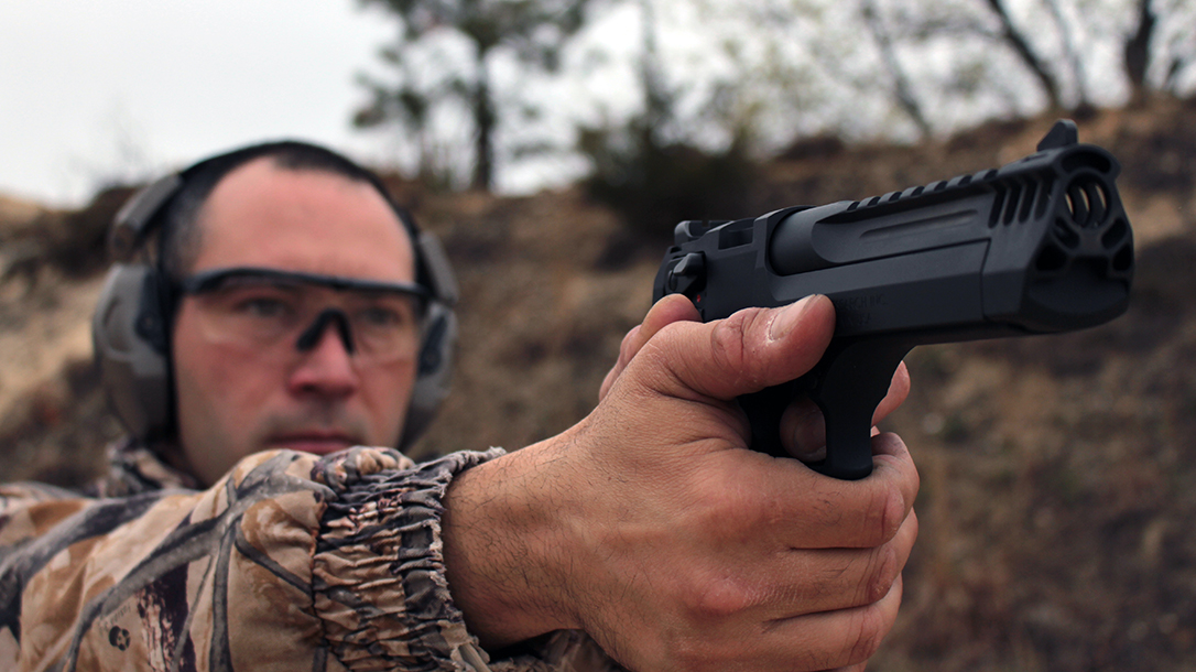 Personal Defense World | Desert Eagle L5: Magnum Research's .50 AE Pistol Bypasses NY Laws