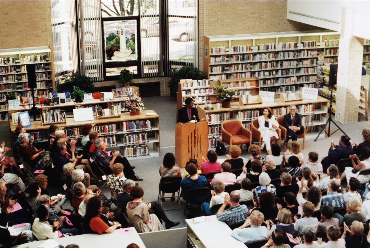 1996 -  Illinois Poet Laureate and Pulitzer Prize winner Gwendolyn Brooks reads at the Library.