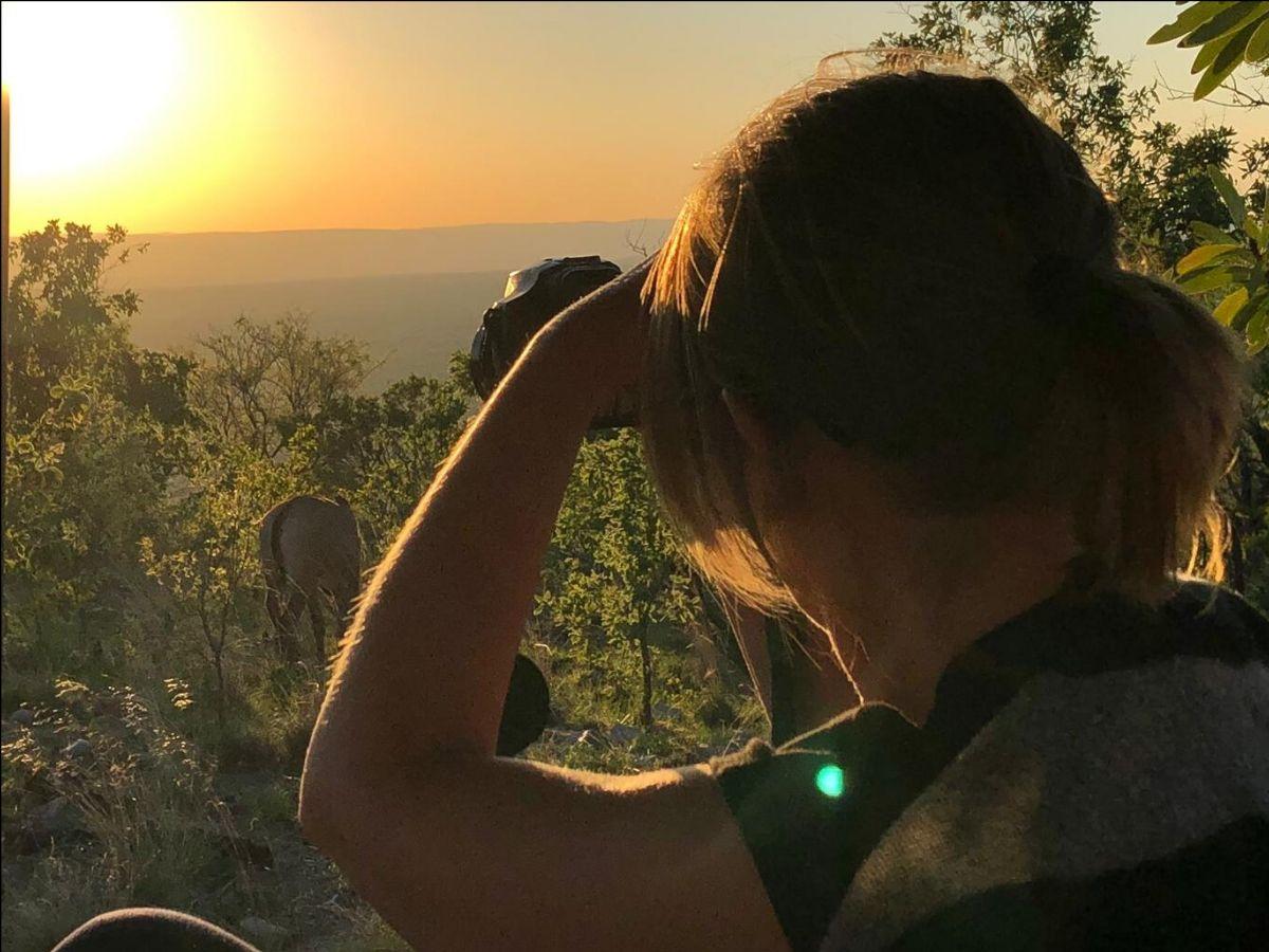 Esther tijdens een safari in Zuid-Afrika