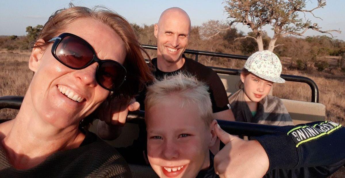 Esther met haar gezin op safari in Zuid-Afrika