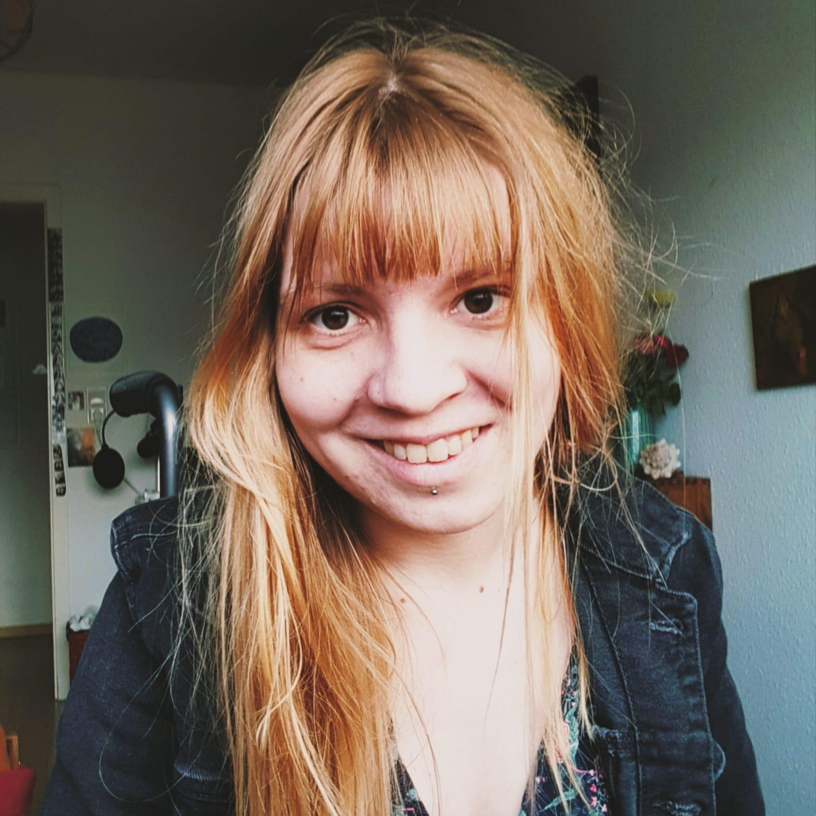 Charlotte Zach